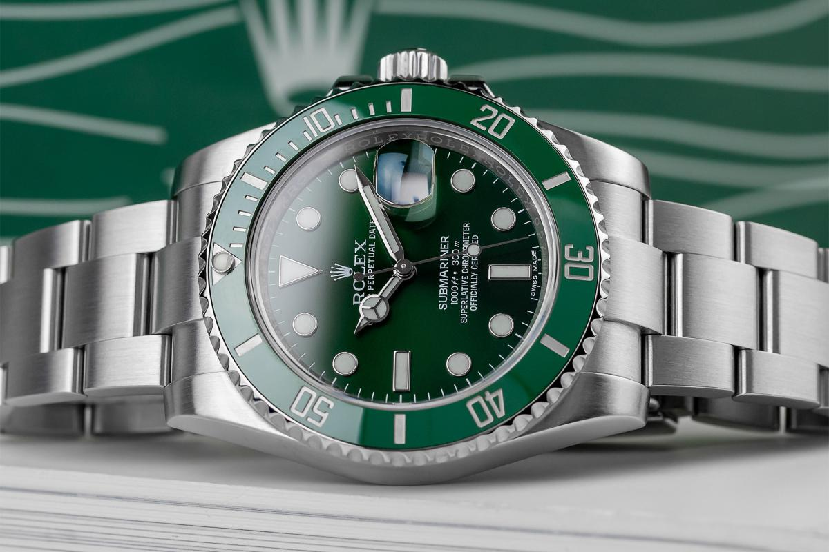 The Rolex Hulk Submariner 116610LV: Upclose and Personal