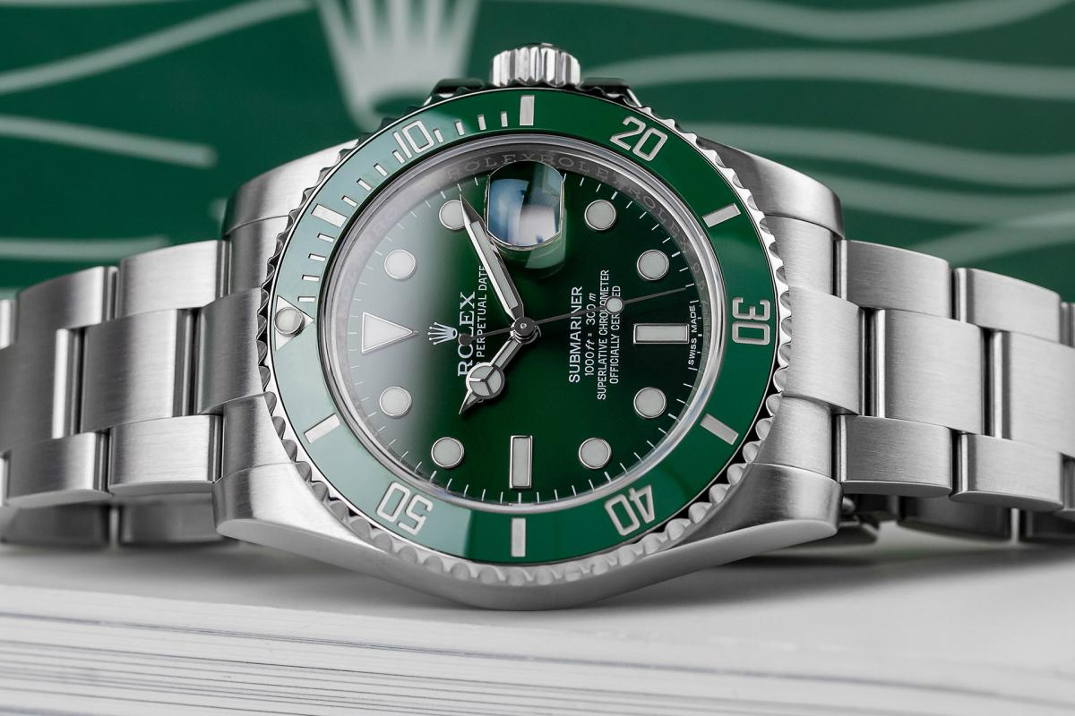 How to Buy a Pre-owned Rolex Submariner Hulk in UK